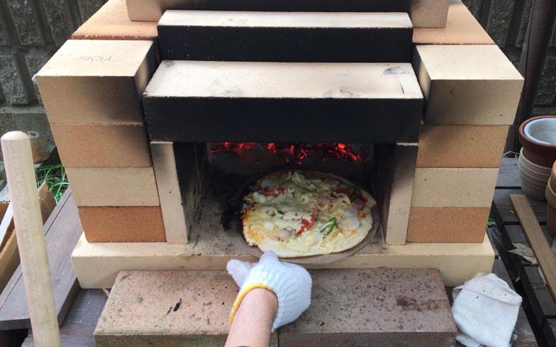 気軽に石釜をDIY! 自宅でピザパーティーも夢じゃない!?