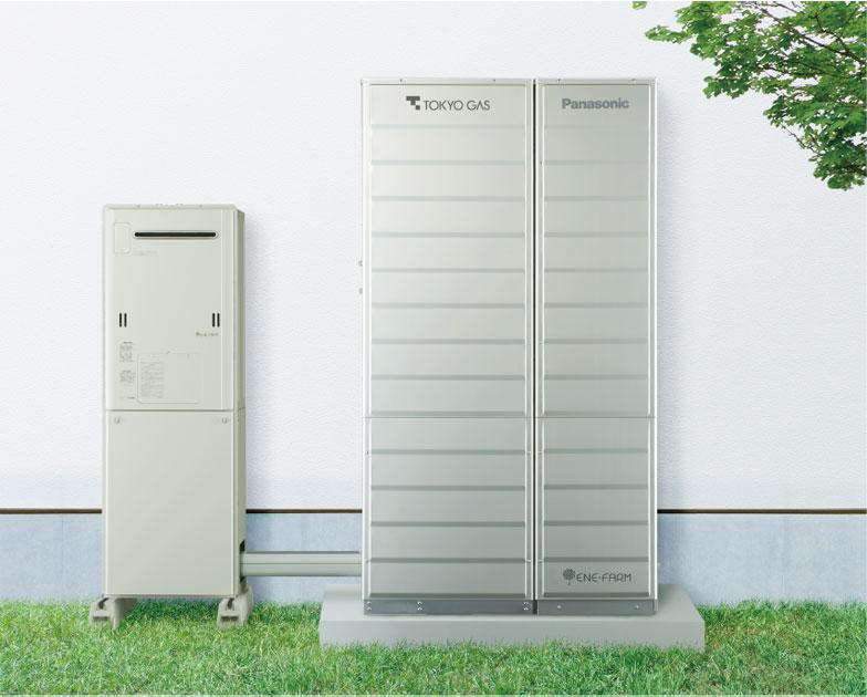 【画像3】写真はエネファームの設置イメージ。右の燃料電池ユニット・貯湯ユニットと、湯切れを防ぐバックアップ用としてエコジョーズ(左)を用いる場合の例(画像提供/東京ガス)