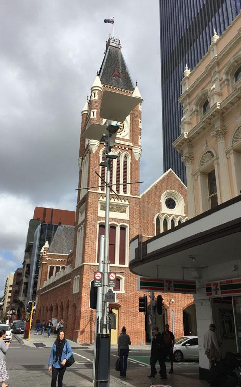 【画像2】オーストラリア大陸南西に位置するパース。シドニー、メルボルン、ブリスベンに次ぐオーストラリア第4の都市でもある。「古い建物が結構残っていて、きれいな街並みです」(写真提供/小島慶子さん)