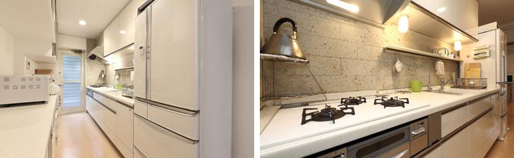 【画像2】左:通路側から見たキッチン。白でまとめられ、家電ややかん以外はほとんど目に入らない。右:キッチンに入って通路側を見ると、実はいつも使うまな板、ゴミ箱、タオルなど細々したものが手元にあることが分かる(写真撮影/飯田照明)