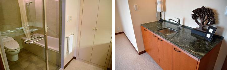 【画像10】もちろんバス・トイレは複数。こちらは主寝室備え付けのバスルームと洗面台(写真撮影:榎並紀行/やじろべえ)