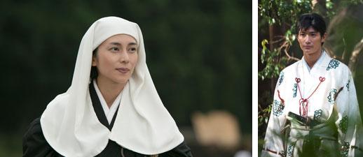【画像3】左:イケメンに取り巻かれるうらやましいヒロイン、直虎(柴咲コウ)/右:主人公の初恋の相手?の井伊直親(三浦春馬)。キラッキラな王子様ぶりを堪能できそう(画像提供/NHK)