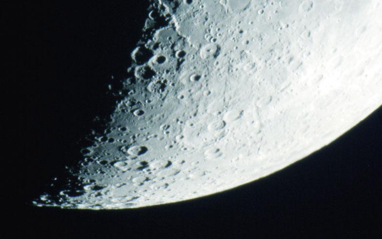 宇宙ライターに聞く! もし月に住むならどんな家がいい?