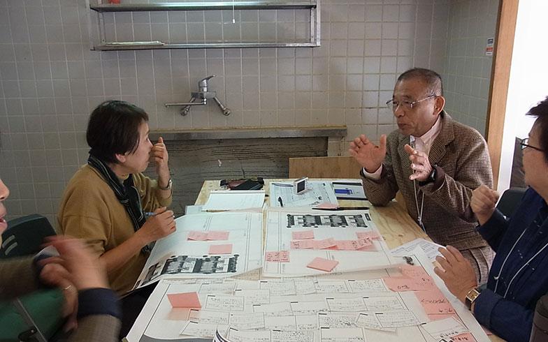 【画像3】福岡県でそれぞれ大家業を営む、「オーナー井戸端ミーティング」チーム(写真撮影/介川亜紀)