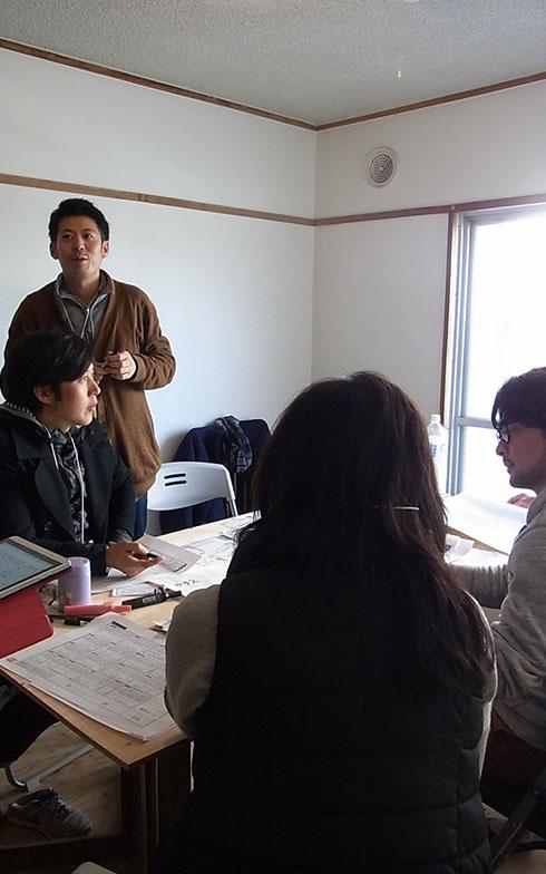 【画像5】地元・久留米市からの参加者チーム。それぞれ大家業やリノベーションに携わる(写真撮影/介川亜紀)