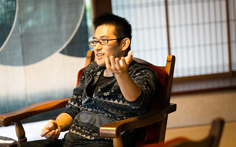 【画像2】現在39歳の小嵜さん。島根ラボの前は、約1年間、福岡サテライトオフィスの立ち上げにもかかわっていた(写真撮影/Yamada Taizo)