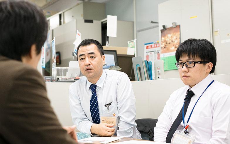 【画像4】今回、直撃取材に快く応じていただいたしまね暮らし推進課のお二人(左:嘉本博行グループリーダー、右:黒崎裕人主任主事)(写真撮影/Yamada Taizo)
