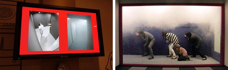 【画像5】左:見通しの悪い通路を避難する様子。モニターでは分かりやすいですが、中は真っ暗な状態。壁伝いに進路を確認し、誘導灯を目指して進みます(撮影/金井直子)右:煙を避けるように口元を押さえて低い姿勢で避難します(画像提供/本所防災館)