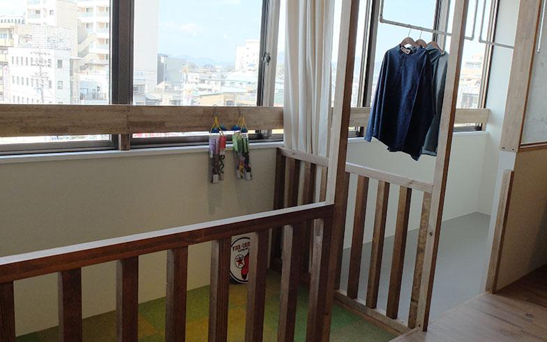 【画像5】ハイハイグラウンドはベビーゲートを取り付ける必要がなく便利。3階は全室インナーバルコニーで部屋干しにも対応(写真撮影/倉畑桐子)