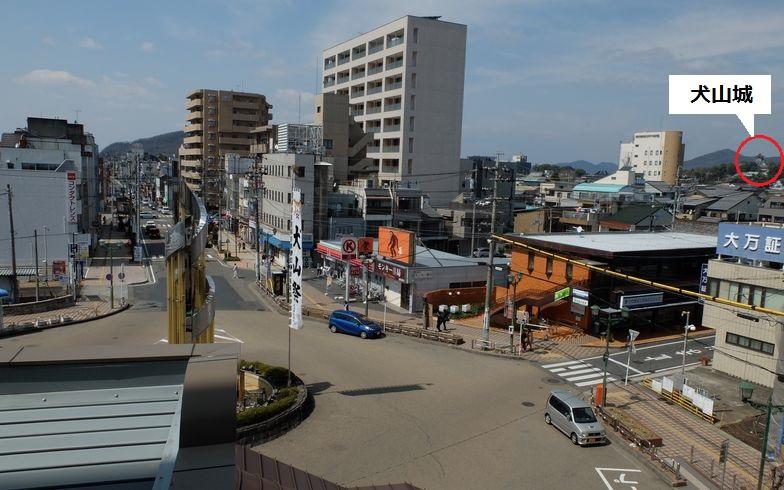 【画像14】3階の居室からの眺め。右端に見える犬山城は、城好きで知られるロンドンブーツ1号2号・田村淳さんのイチオシ(写真撮影/倉畑桐子)