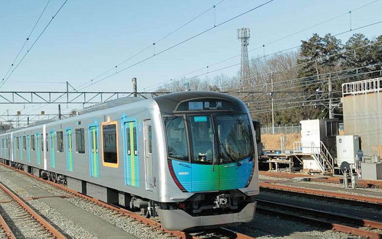 """コンセント&Wi-Fi完備!話題の""""座れる通勤列車""""「S-TRAIN」に乗ってみた"""