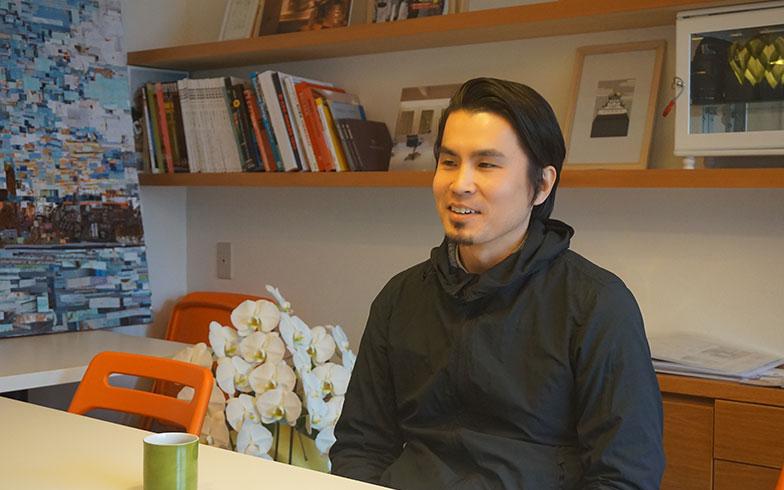 【画像6】リノベーション・オブ・ザ・イヤーの受賞は2度目となる田村さん。「成長する建築・空間」をテーマに掲げ社会の継続につながるデザインを手がけていきたいと語ります(写真撮影/アポロデザイン)
