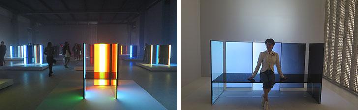 【画像13】トルトナ地区で展示されたインスタレーション[S.F._Senses of the Future]、LG社の最新テクノロジーを使った吉岡氏による光のアート。光を放つ未来的な「S.F. chair」に筆者も腰掛けてみた@Superstudio(写真撮影/藤井繁子)