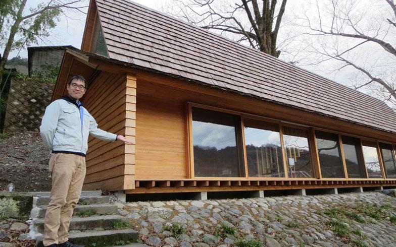 【画像4】今日筆者を出迎えてくれたのは、吉野中央木材の石橋専務。家業を継ぐ、吉野材のスペシャリスト(写真撮影/藤井繁子)