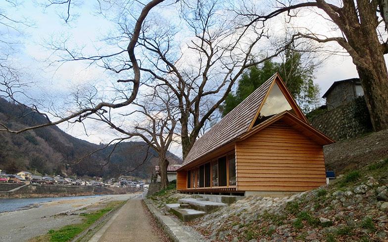 【画像14】大工10人が1カ月かけて施工した「吉野杉の家」。宮大工が参加したとあって、その仕上がりは鋭く美しい(写真撮影/藤井繁子)