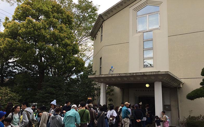 【画像5】開場前の行列の様子(写真撮影/富谷瑠美)