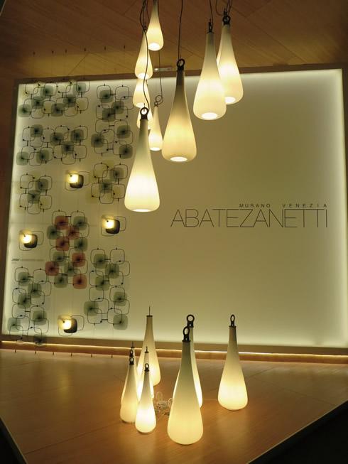 【画像24】吊って良し、置いて良しのポータブル・デザイン。でもこれはムラーノ・ガラス(ヴェネチアンガラス)、持ち運んで割れたら悲しい@ABATEZANETTI(アバテザネッティ)社(写真撮影/藤井繁子)