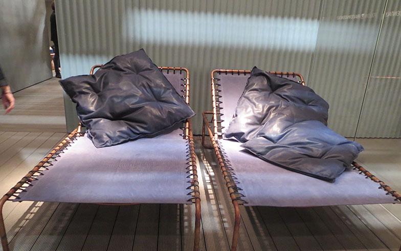 【画像13】コッパー(銅)を使った都会的なデザインのday-bed@baxter(写真撮影/藤井繁子)