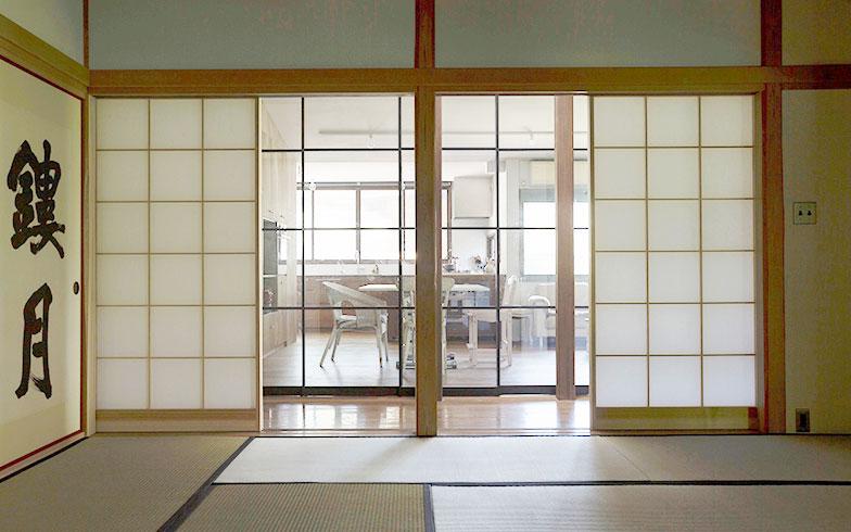 【画像11】和室からダイニングを見る(写真撮影/川辺明伸)