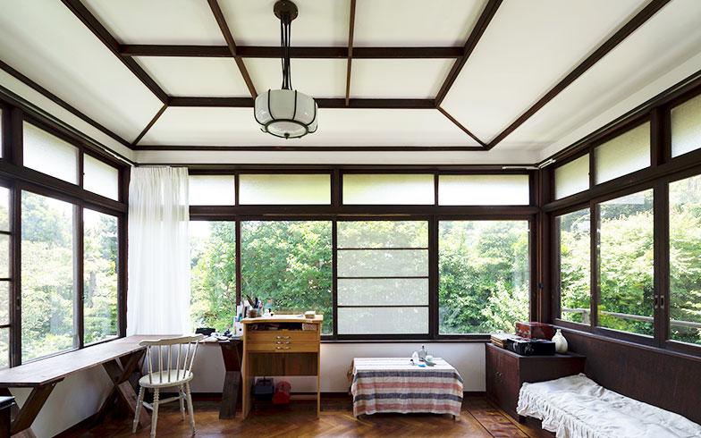 【画像12】一度天井を解体し構造補強を施した2階の書斎(写真撮影/川辺明伸)