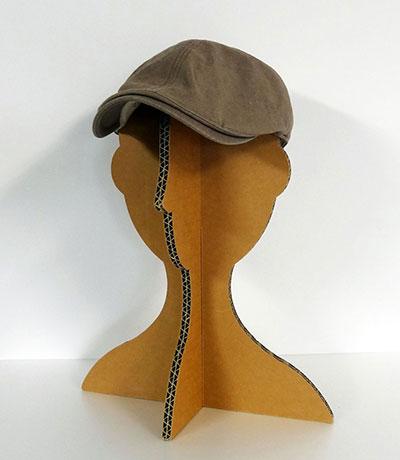 【画像4】帽子の保管はもちろん、気分によって被せる帽子を変えても面白そうだ(写真提供/ダンボール倶楽部)
