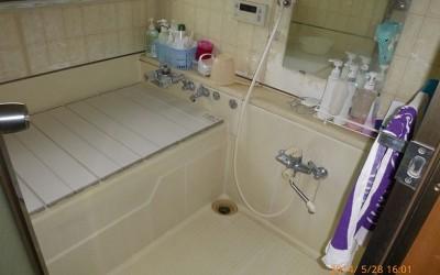寒すぎるお風呂をリフォーム! 費用を安くすませるコツは? 一部と全部だとどっちがお得なの?