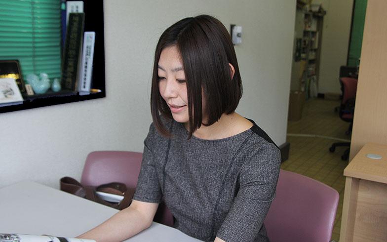【画像1】櫻井理恵さん。櫻井印刷所4代目であり、『kawagoe premium』の編集長でもある(写真撮影/小野洋平)