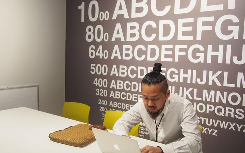 【画像16】実際にシェアオフィスで仕事をしている人もチラホラ(写真撮影/明日陽樹)