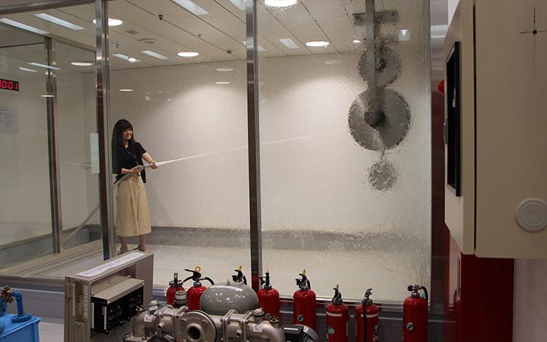 消火栓で放水を体験(画像提供/三井不動産レジデンシャルサービス)