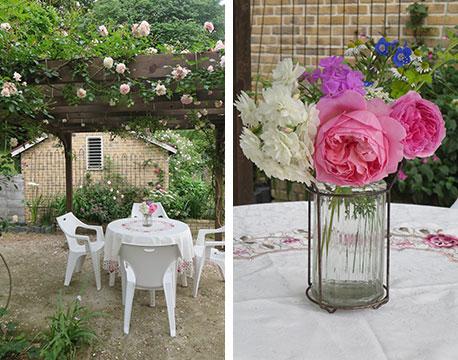 【画像6】奥の庭では、こんな英国のようなシーンが……切り花もバラが入ると華やかですてき!(写真撮影/藤井繁子)