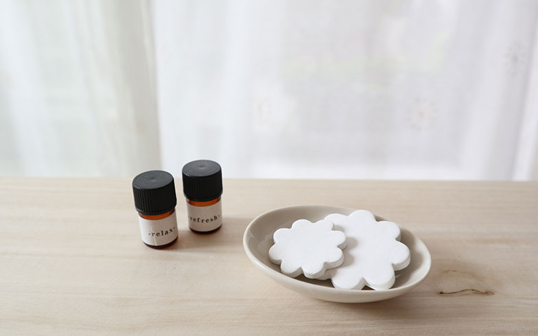【画像3】陶製のアロマストーン。香りがしなくなったら同じアロマストーンで別の香りをつけても問題なく楽しめる(画像提供/小田ゆきさん)