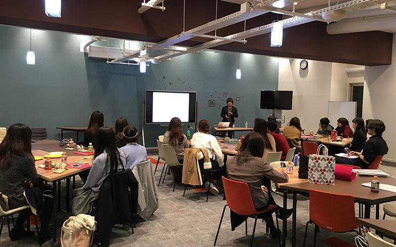 【画像1】お風呂部員の学生は、講習会でサイト運営や情報の伝え方についてレクチャーを受ける(画像提供/株式会社ノーリツ)