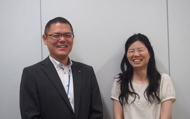 【画像1】左:石川繁夫さん、ダブル派。右:冨田亜沙美さん、シングル派(写真撮影/明日陽樹)