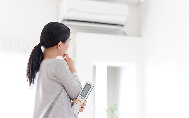 真夏に賃貸住宅のエアコンが故障! どこに連絡? 費用は誰が負担する?