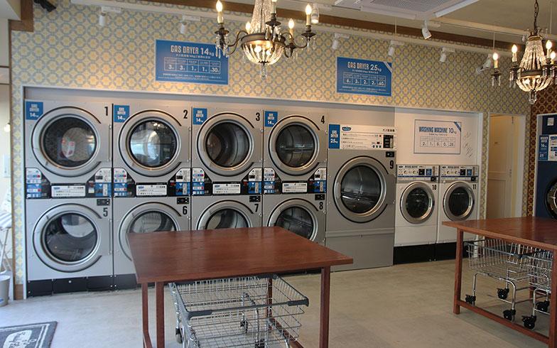 【画像2】なお、洗濯機、乾燥機はともに日本製のマシーンで統一(写真撮影/小野洋平)