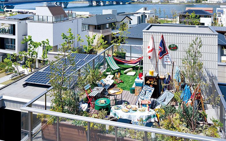 【画像2】太陽光発電システムの発電効率アップや、設置技術の向上によって、屋上+太陽光発電の併用も容易になっている。屋上+太陽光発電を併用するのは約半数だそう(画像提供/旭化成ホームズ(ヘーベルハウス))