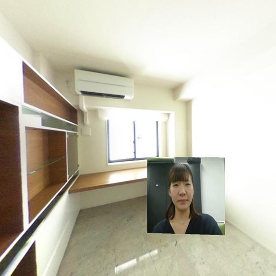 【画像3】VR画面に担当者の画像が現れ、室内の特徴や物件の概要について答えてくれる(画像提供/ギガプライズ)