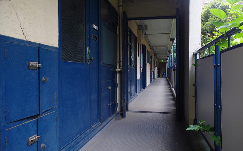 【画像1】1階と4階にしかない共用廊下(写真提供/旭化成不動産レジデンス)