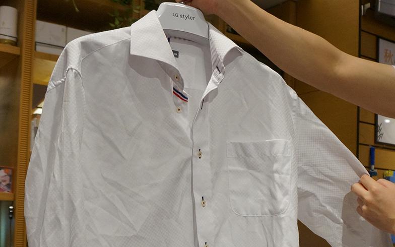 【画像6】使用前は悲惨なほどクシャクシャのシャツが…(写真撮影/蜂谷智子)