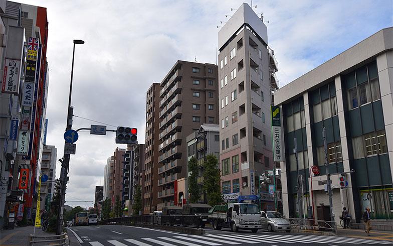 【画像2】地下鉄成増駅前は大通りに面していて、商店も多い(写真撮影/小野洋平)