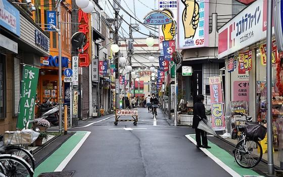 【画像1】桜上水駅前の商店街。日々の生活に必要なものは、ひと通りここでそろう(撮影/小野洋平)