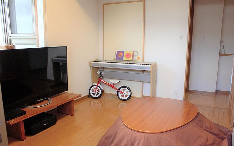 【画像2】子どもが成長したときに使用する予定の部屋を「テレビ部屋」として活用(写真提供/香村薫)