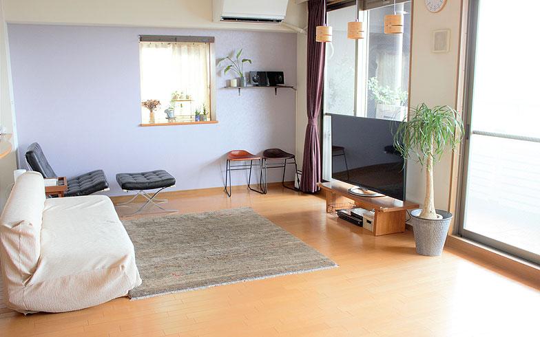 【画像3】リビングテーブルをテレビ台として使用(写真提供/香村薫)