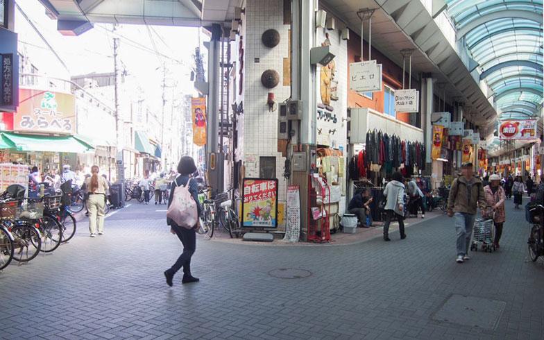 【画像3】同じ商店街の中だが、途中、道が分かれているところも(写真撮影/明日陽樹)