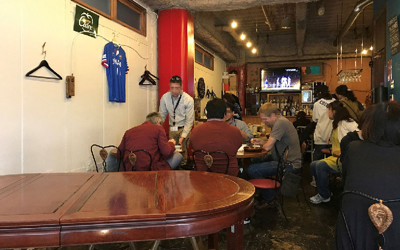 【画像8】マリノス戦の日は店内のテレビで観戦もできる(写真撮影/小野洋平)