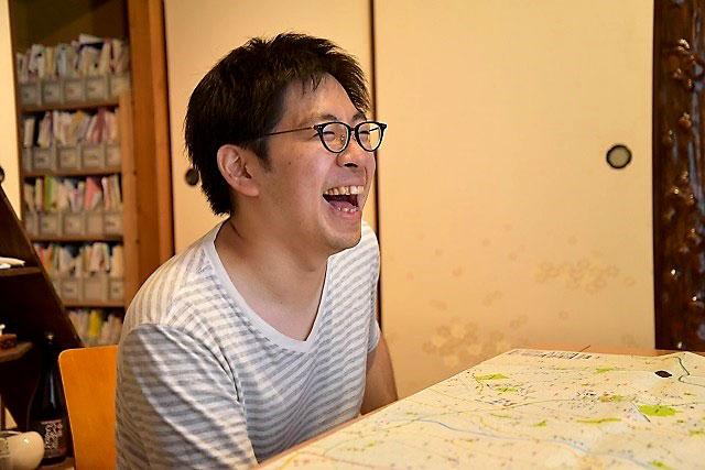 【画像7】今和泉さんの鋭い分析により、内面をズバズバ言い当てられる編集O。でも、なんだかうれしそうだ(撮影/榎並紀行)
