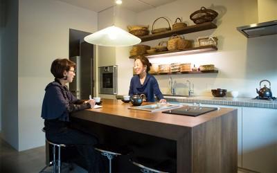 あの人のお宅拝見[6] 料理研究家・有元葉子邸、建築家の娘がリノベーションで実現したキッチン・オリエンテッドな住まい