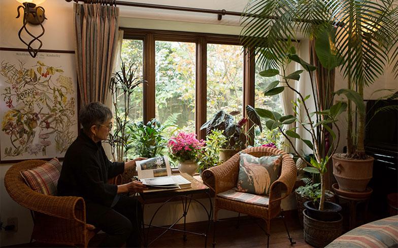 あの人のお宅拝見[7] ガーデ二ング誌の編集者が家族と造り上げた、庭を愉しむ住まい