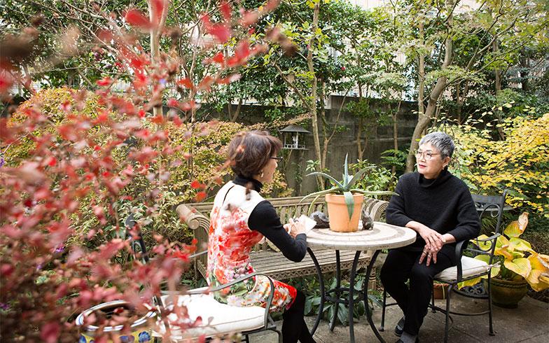 【画像9】ガーデン・ファニチャーを置いてくつろげるお庭は、正にアウトドア・リビング(写真撮影/片山貴博)