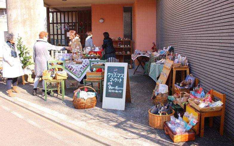 【画像6】自宅で行っていた軒先のクリスマスマーケット。豊田さんの原点だ(写真提供/豊田亜古さん)